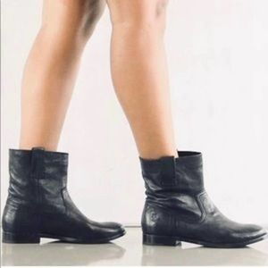 Frye Anna Short Soft Leather Black Boot 5.5